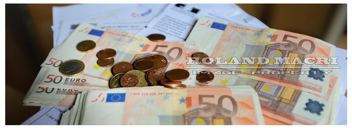 Money and invoices | Argent et factures