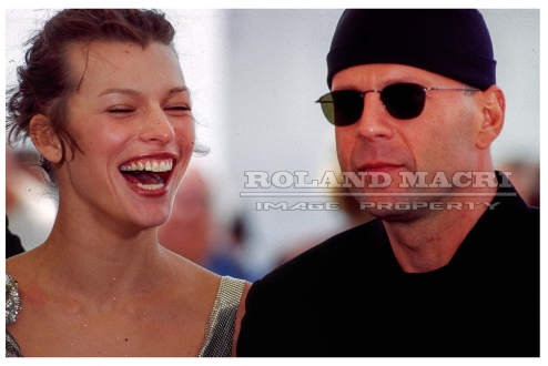 CANNES FILM FESTIVAL 5TH ELEMENT PHOTOCALL .05-07-1997.CHRIS TUCKER, MILLA JOVOVICH AND BRUCE WILLIS | FESTIVAL DE CANNES 5E ÉLÉMENT PHOTOCALL le .05-07-1997.CHRIS TUCKER, MILLA JOVOVICH ET BRUCE WILLIS